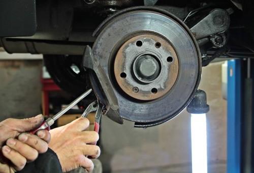 Denunciar a un taller ilegal de reparación de vehículos, ¿cómo lo hago?